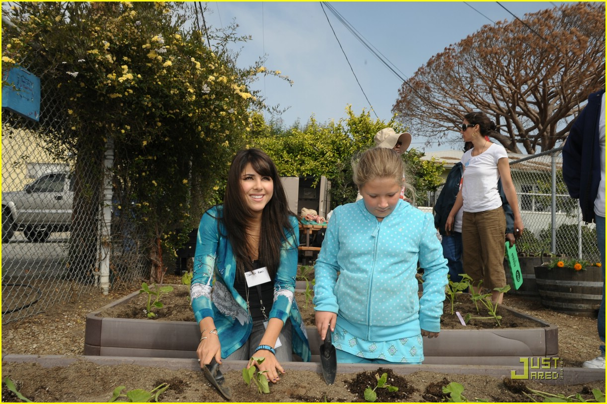 daniella monet create good gardening 02