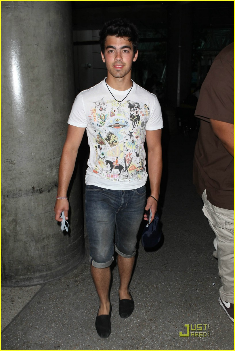 joe jonas cabo cutoffs 06