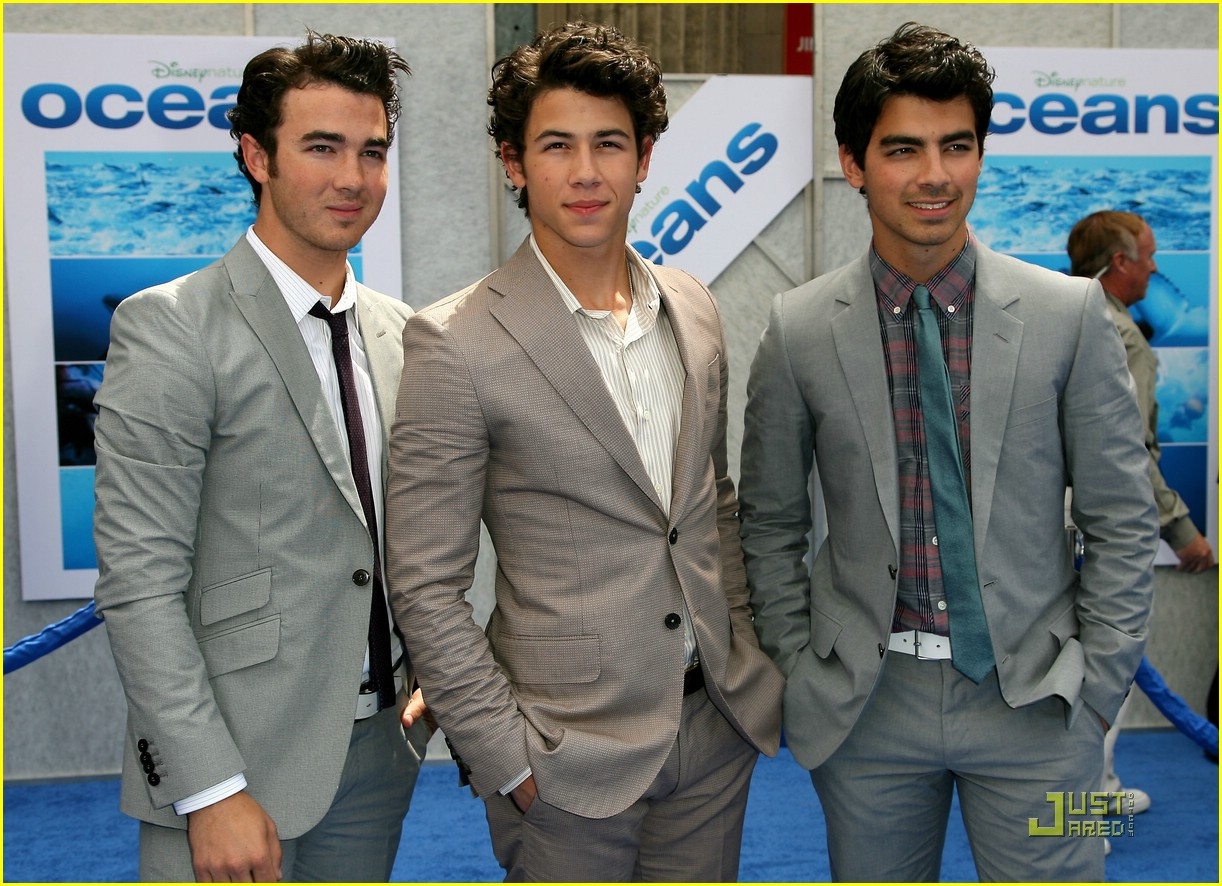jonas brothers oceans away 11