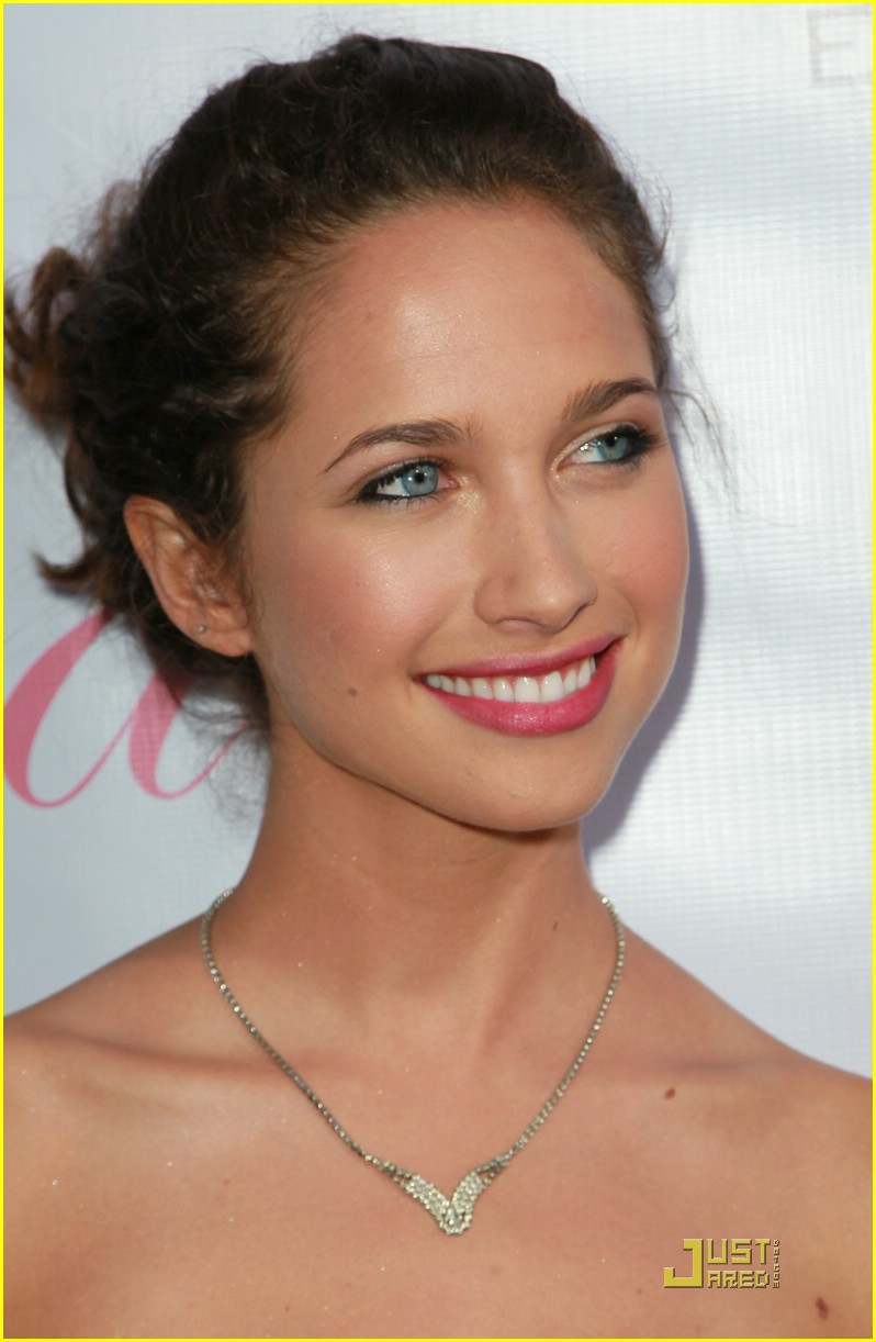 maiara walsh eva launch 03