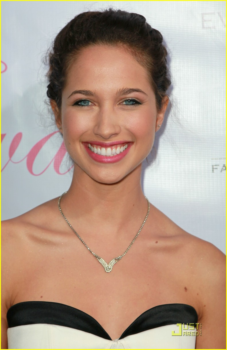 maiara walsh eva launch 10