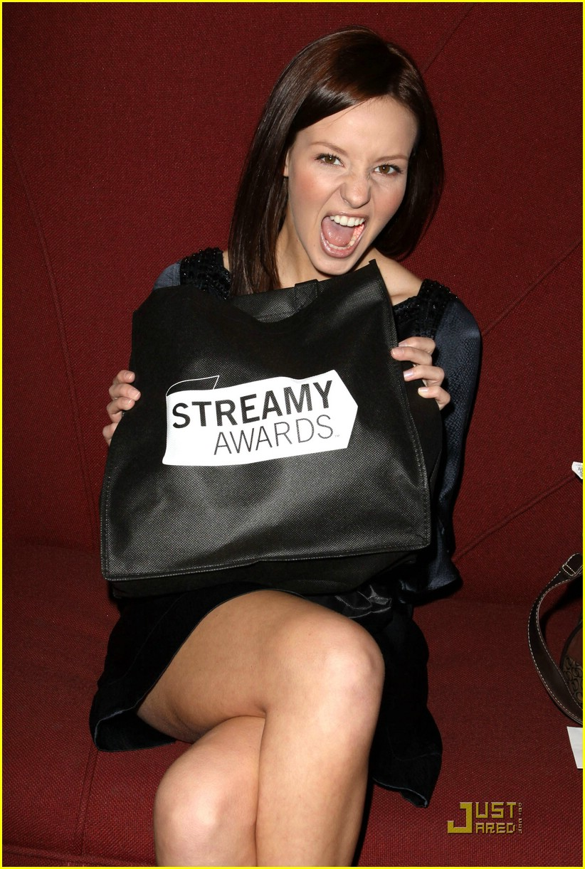 samantha droke streamy awards 16