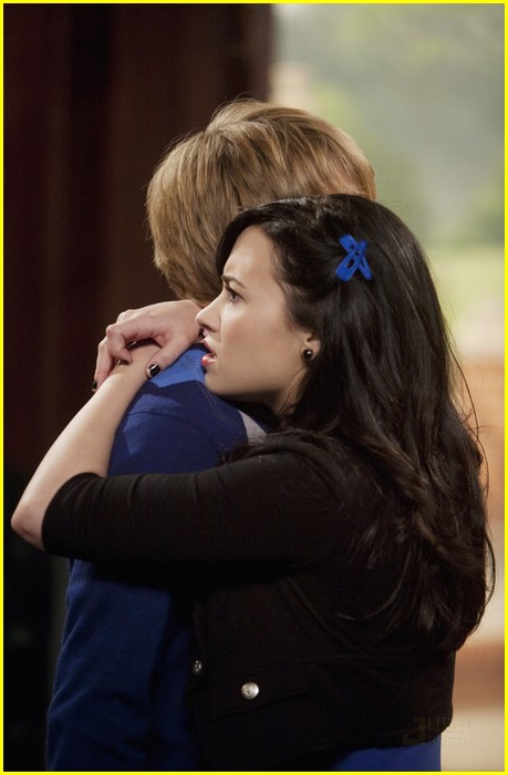 demi lovato sterling knight date 03