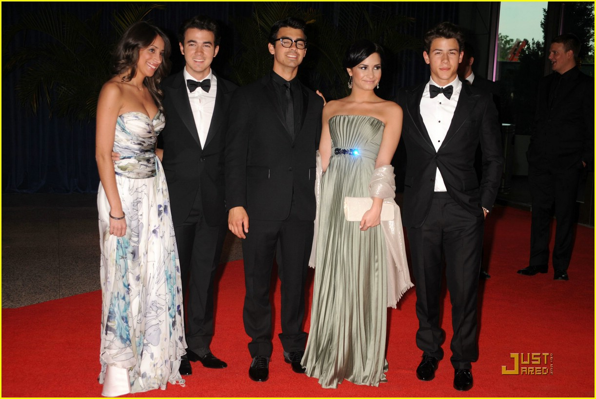 jonas brothers white house correspondent dinner 09