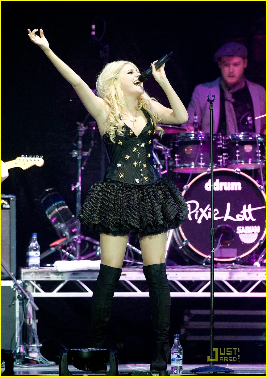 pixie lott o2 arena 09