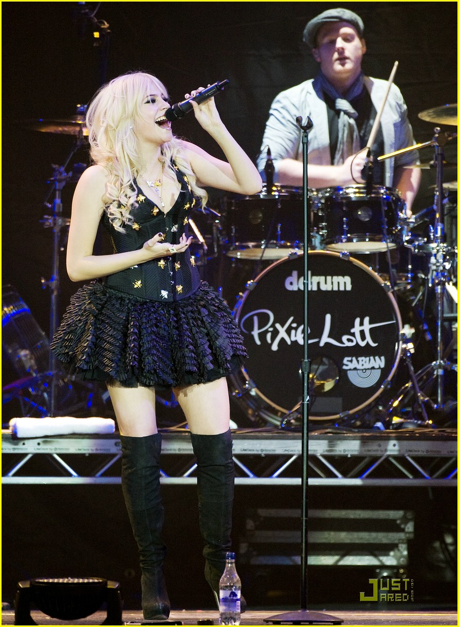 pixie lott o2 arena 10