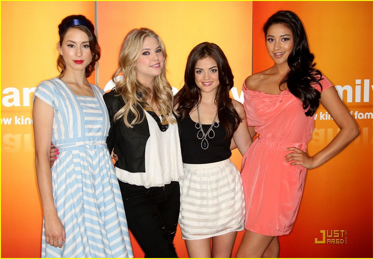 pll press photo booth 08