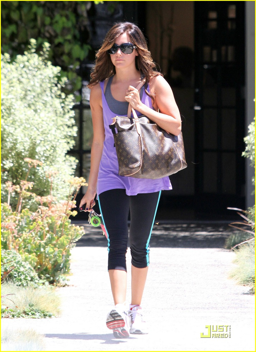 ashley tisdale lv lovely 04