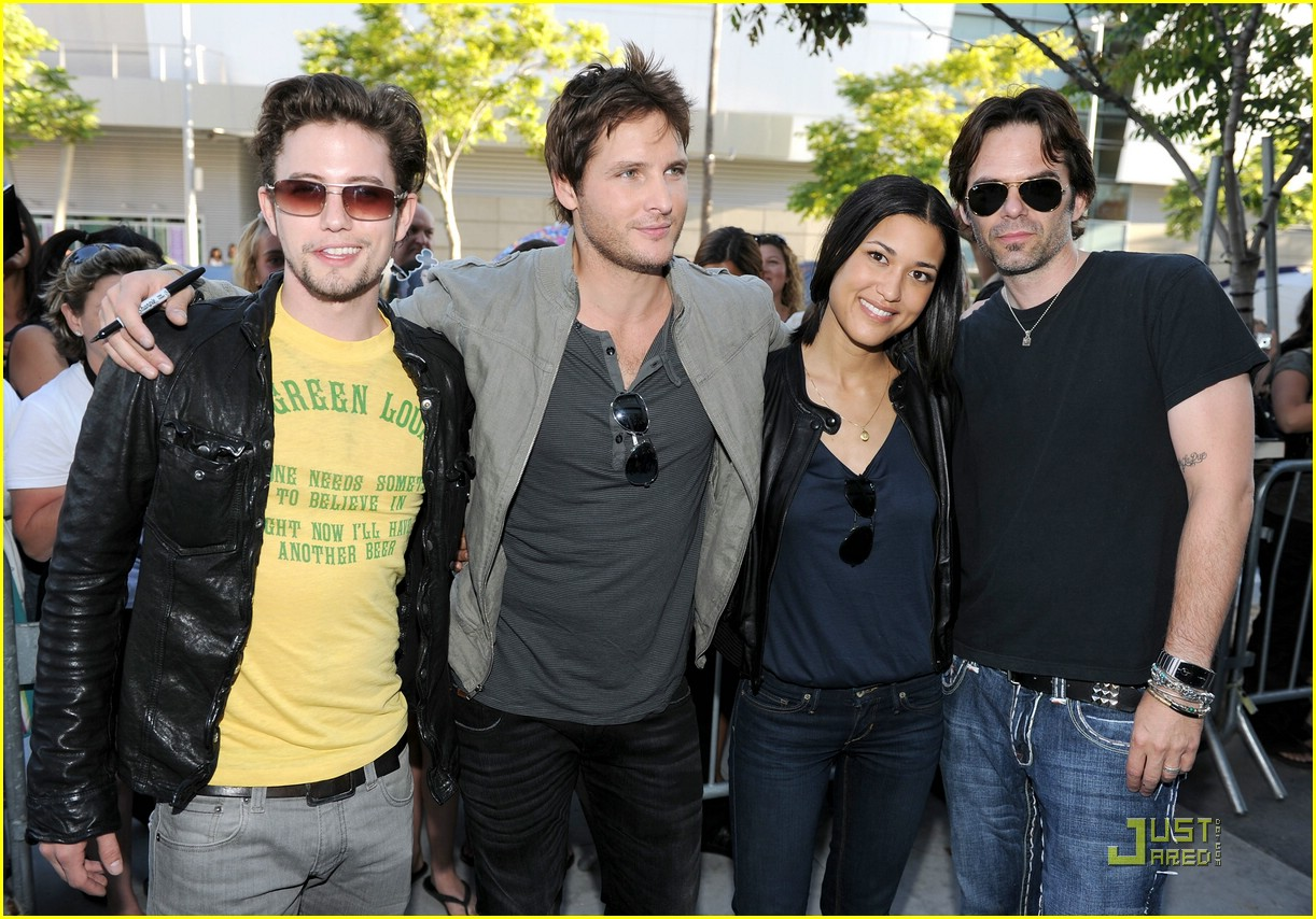 bailee madison peter facinelli lemonade 13
