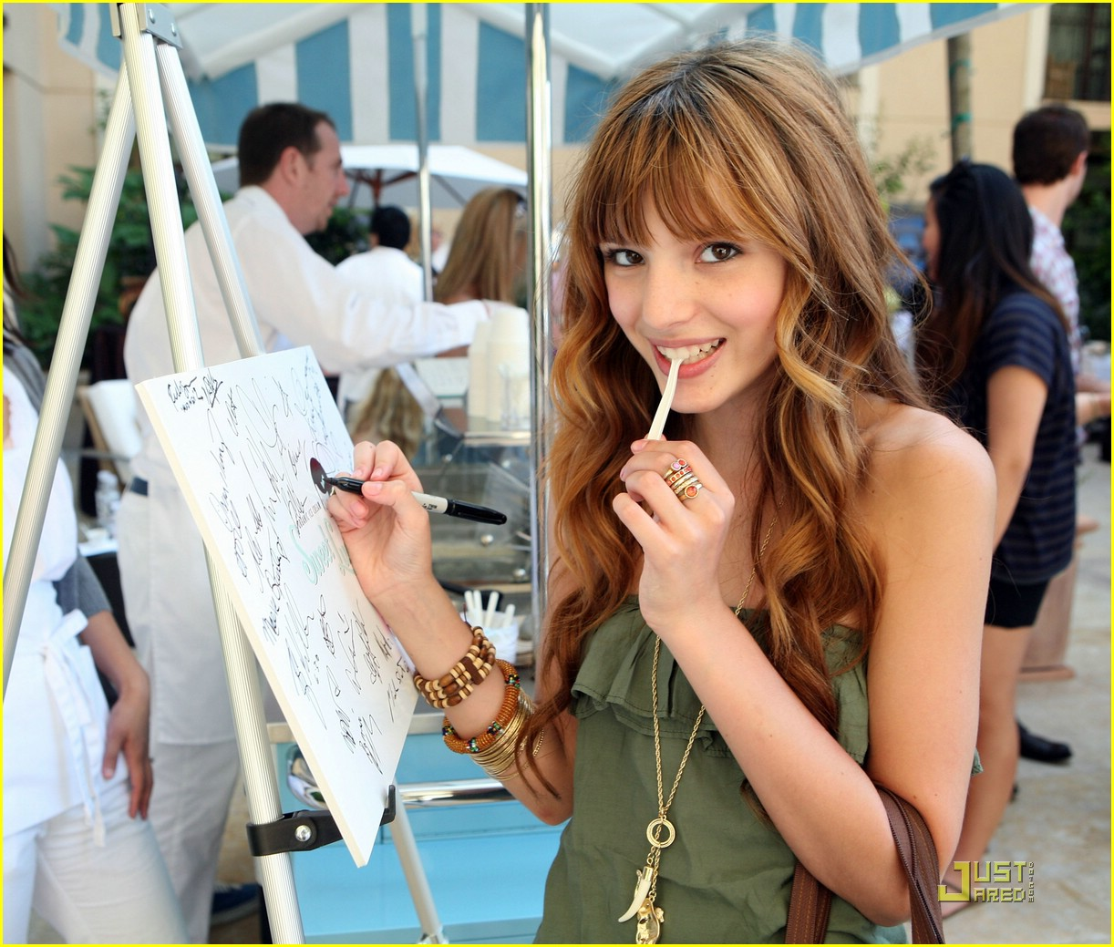 bella thorne gifting suite 02