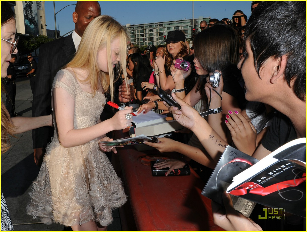 dakota fanning eclipse premiere 21