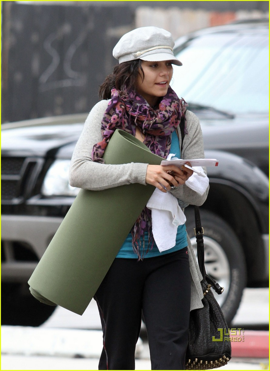 vanessa hudgens yoga ticket 05