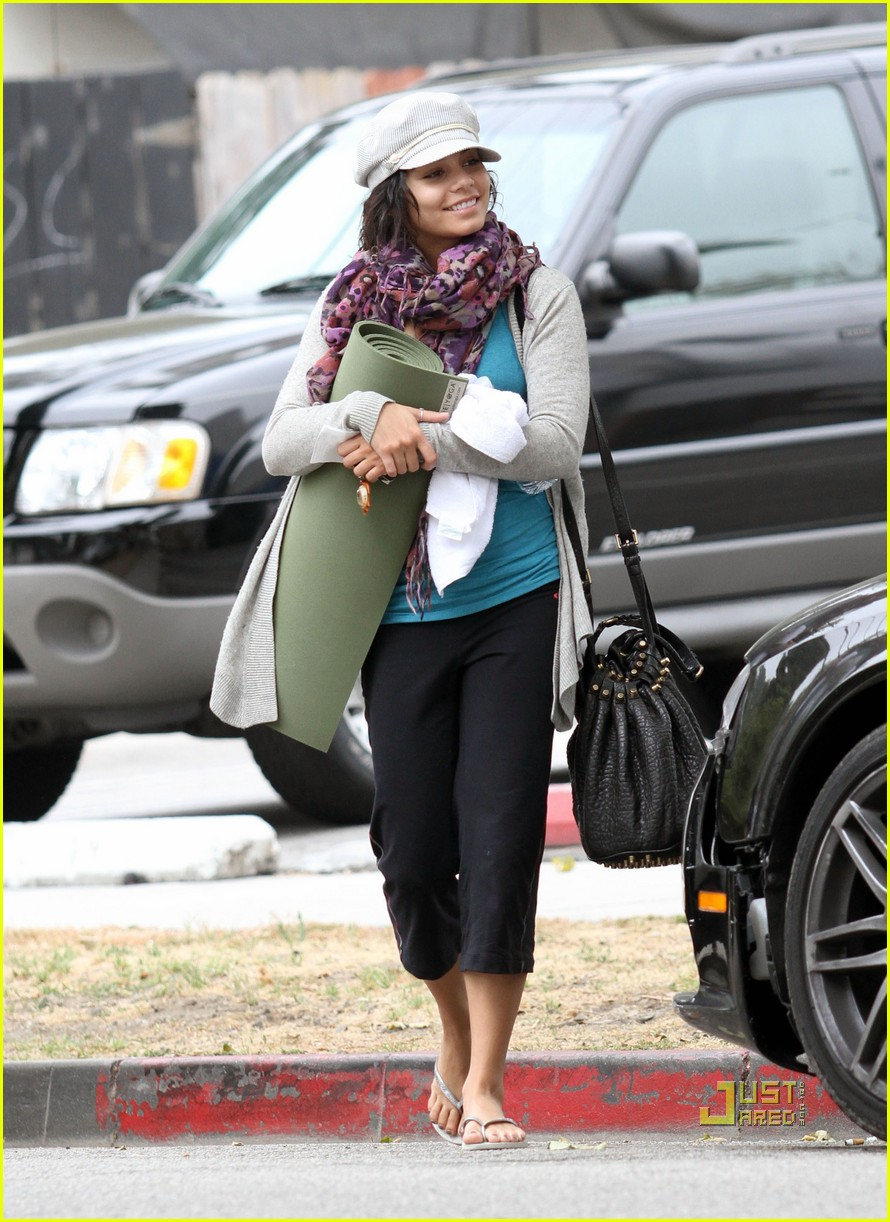 vanessa hudgens yoga ticket 12