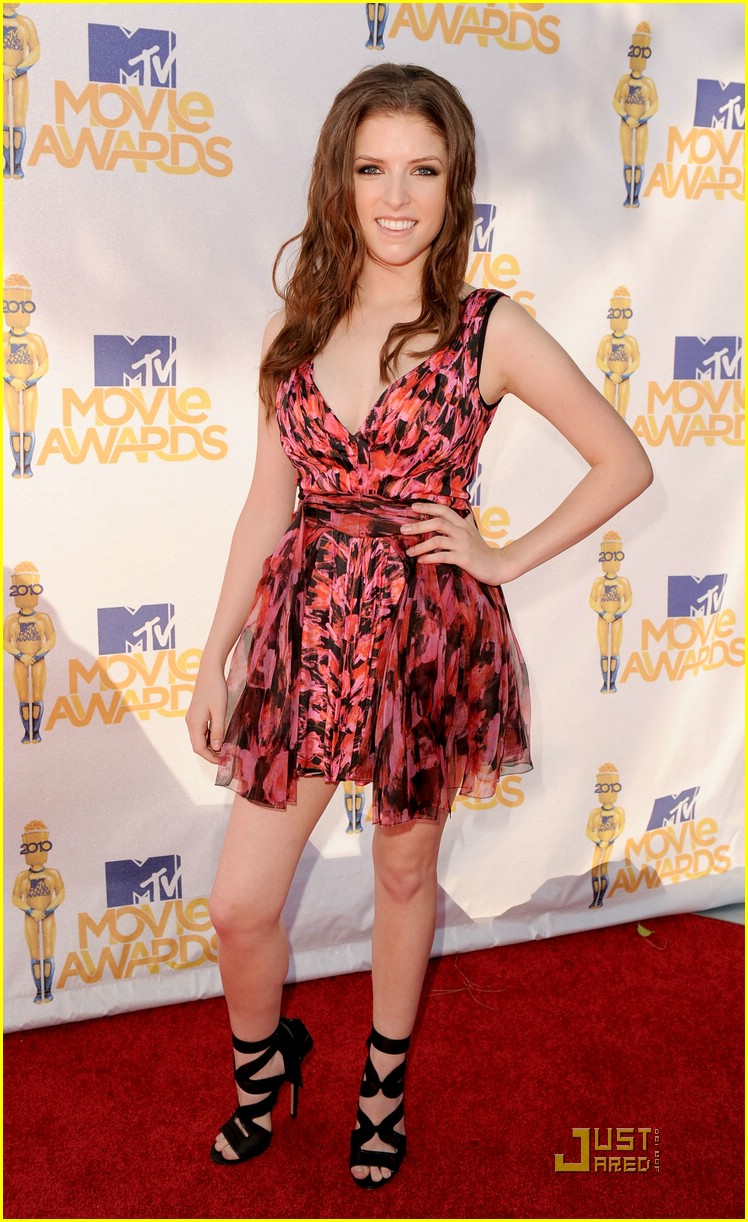 anna kendrick mtv awards 02