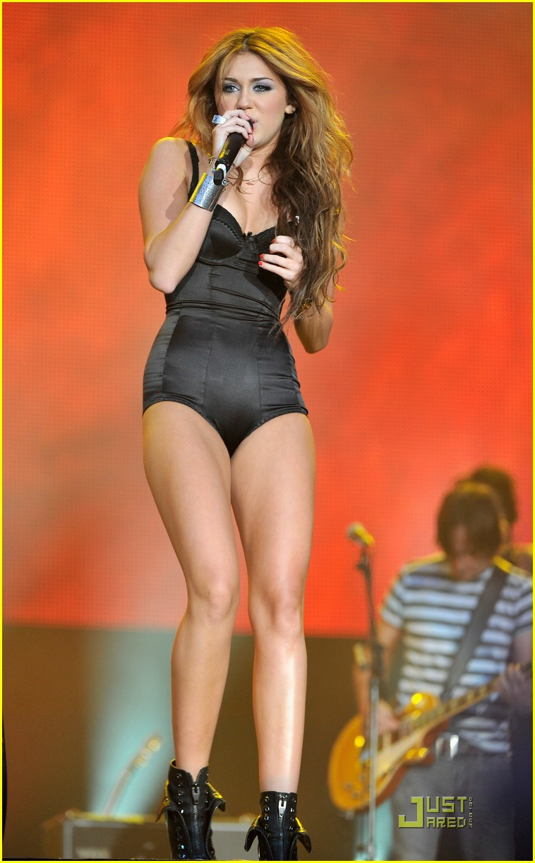Miley cyrus madrid 2010 concert clip 3