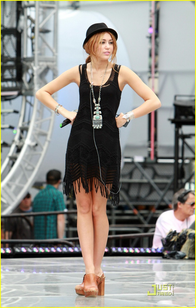 Miley Cyrus Is Rehearsal Ready Photo 374497 Photo
