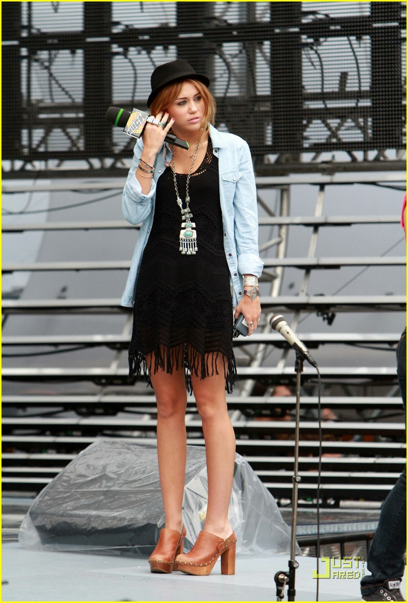 miley cyrus mmva rehearsals 07