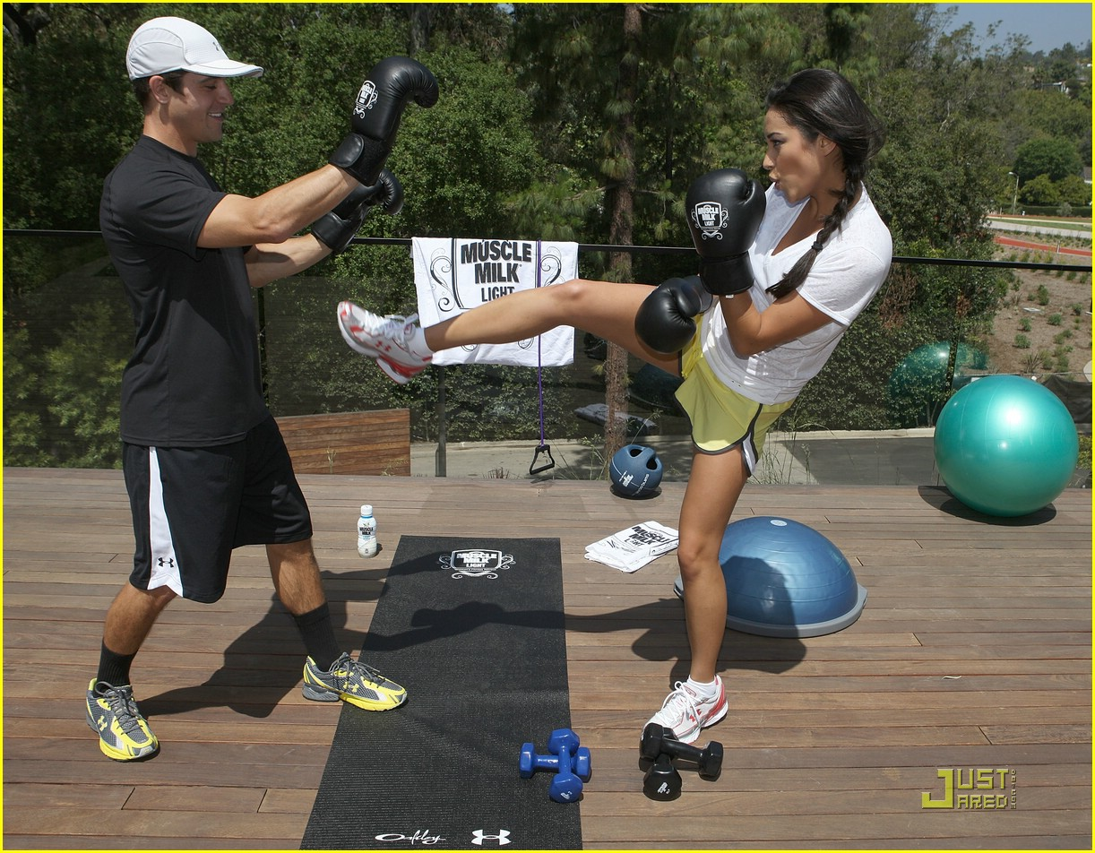 shay mitchell kick boxing 01