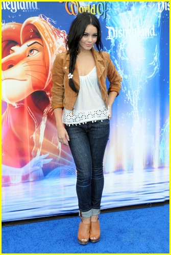vanessa hudgens world color 08