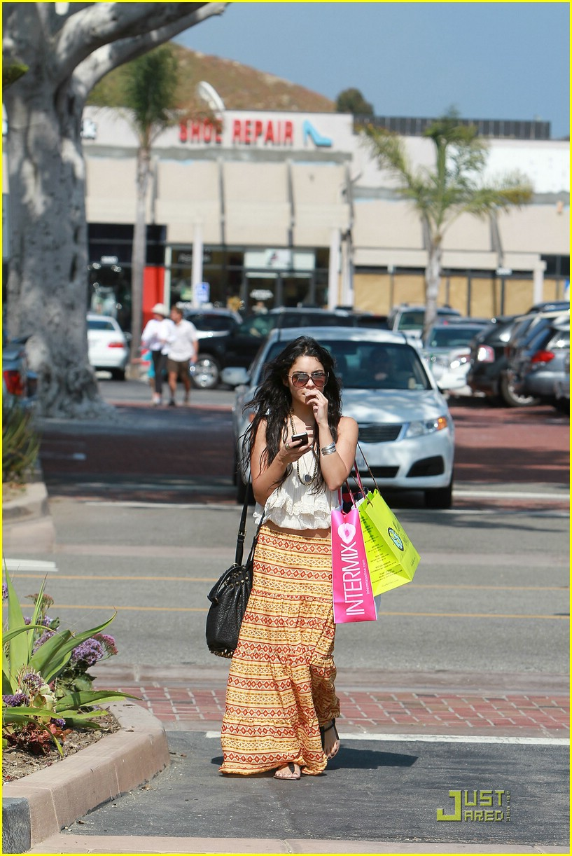 vanessa hudgens cross creek 13