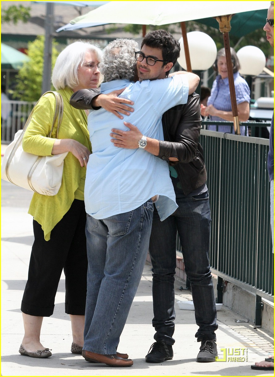 joe jonas patys posse 12