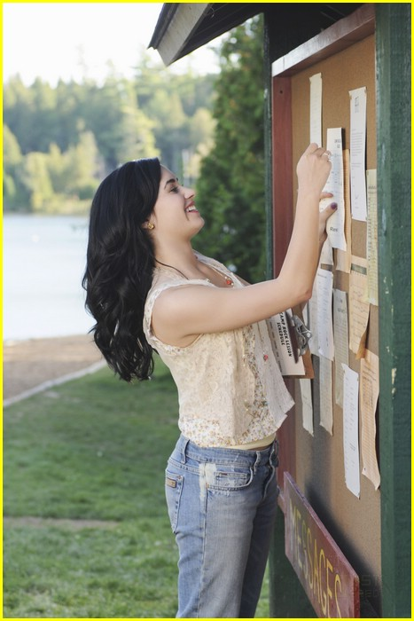 chloe bridges nick jonas cr2 17