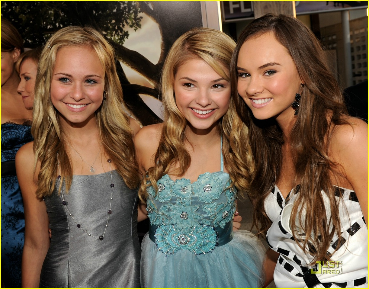stefanie scott michael bolten flipped 02