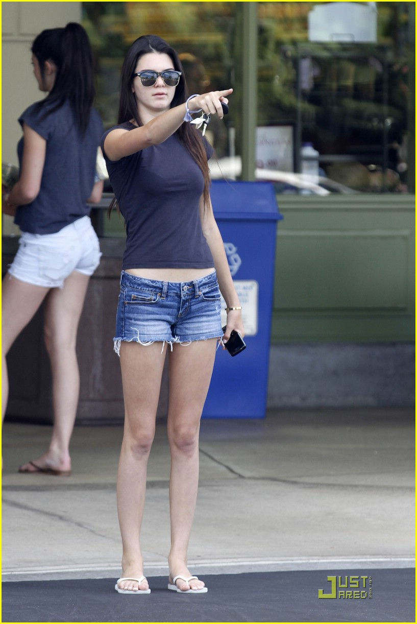 kendall kylie jenner whole foods 11