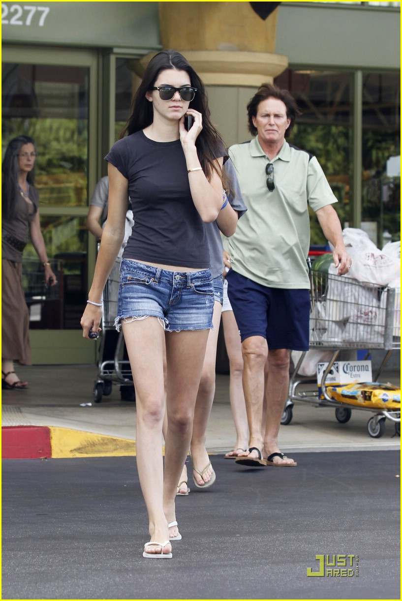 kendall kylie jenner whole foods 15