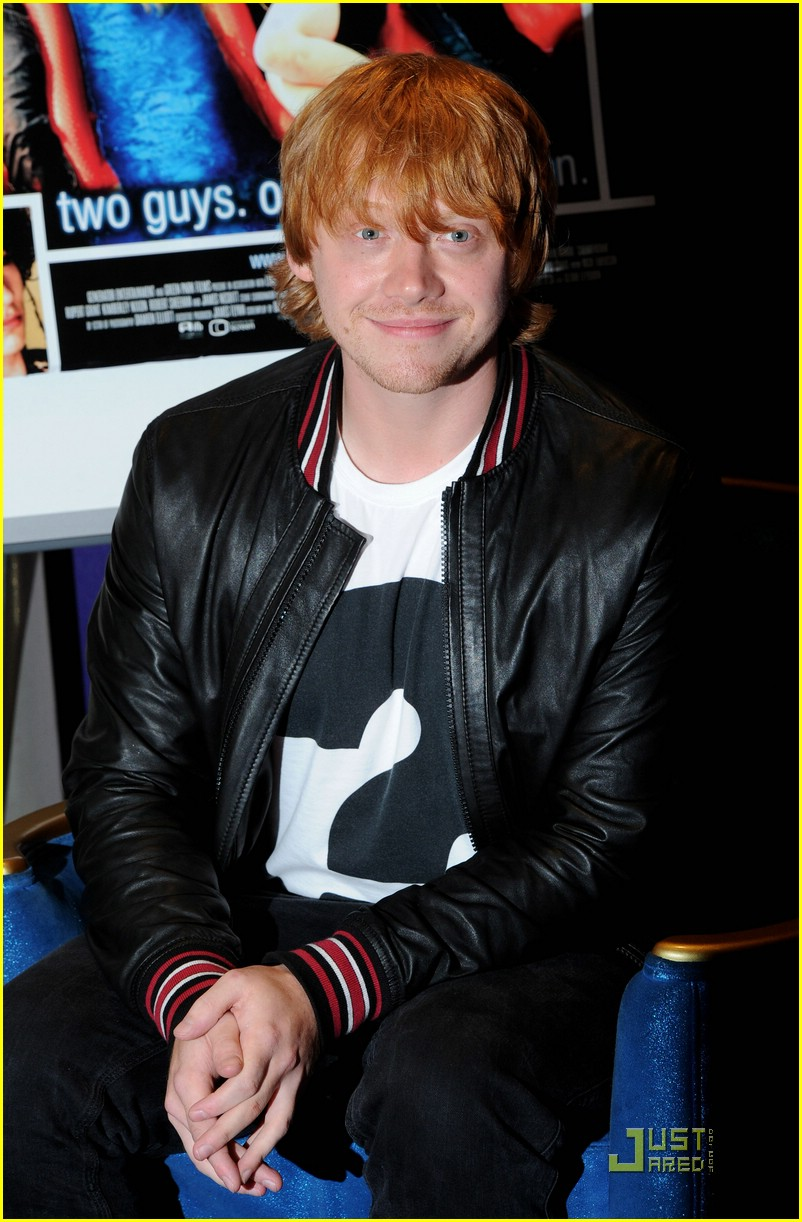 rupert grint cherry apple store 02