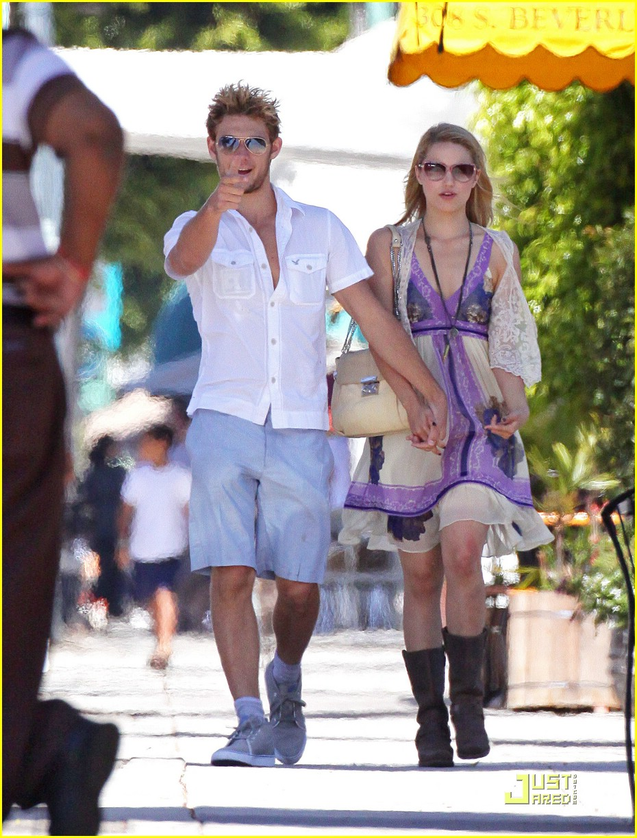 alex pettyfer dianna agron jumps 02