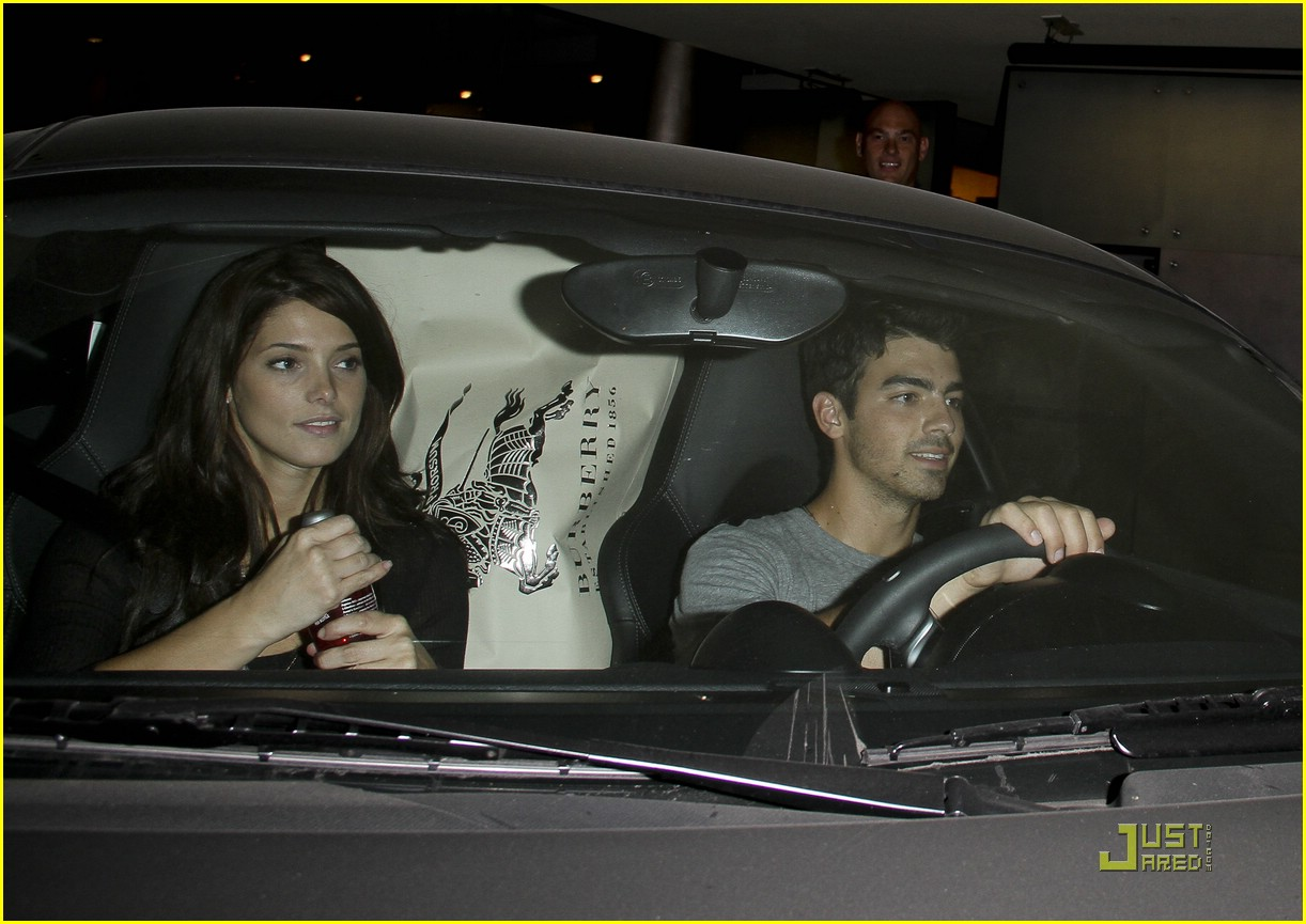 joe jonas ashley greene dg 07