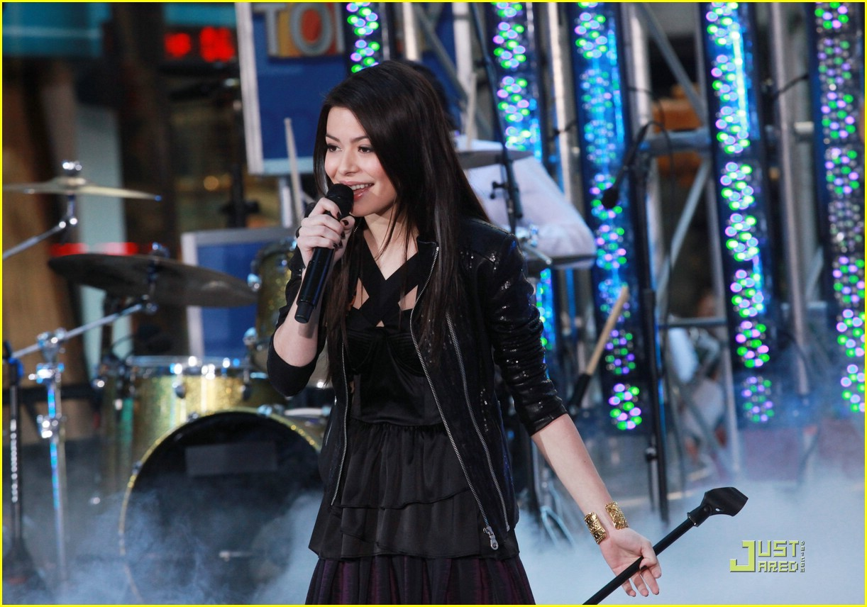 miranda cosgrove today show 01