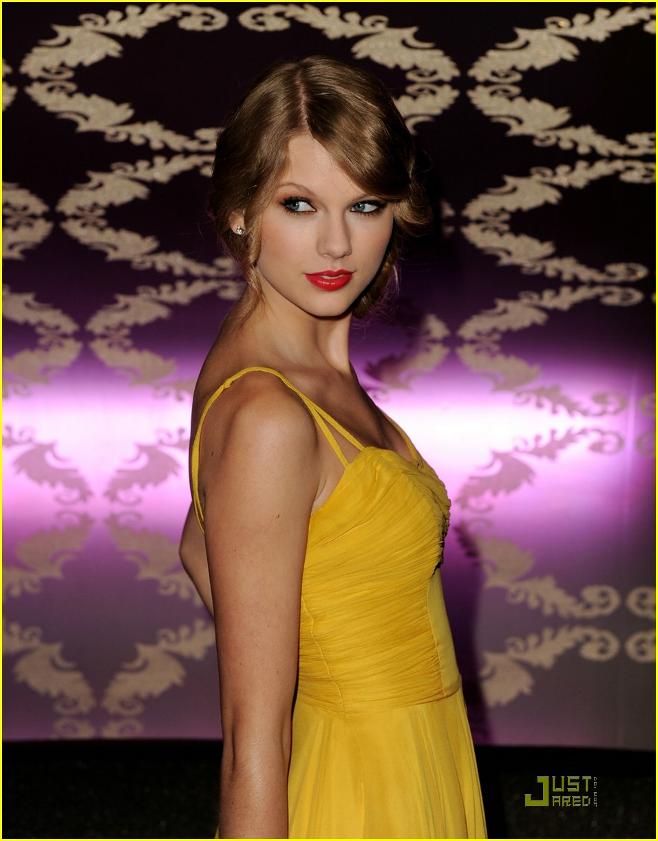 taylor swift all for hall magical 19