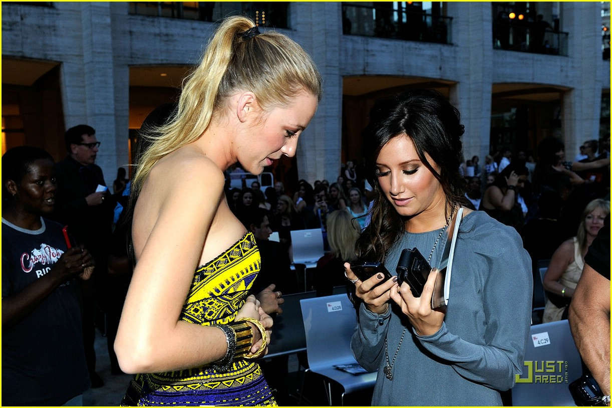 ashley tisdale fashion night out 13