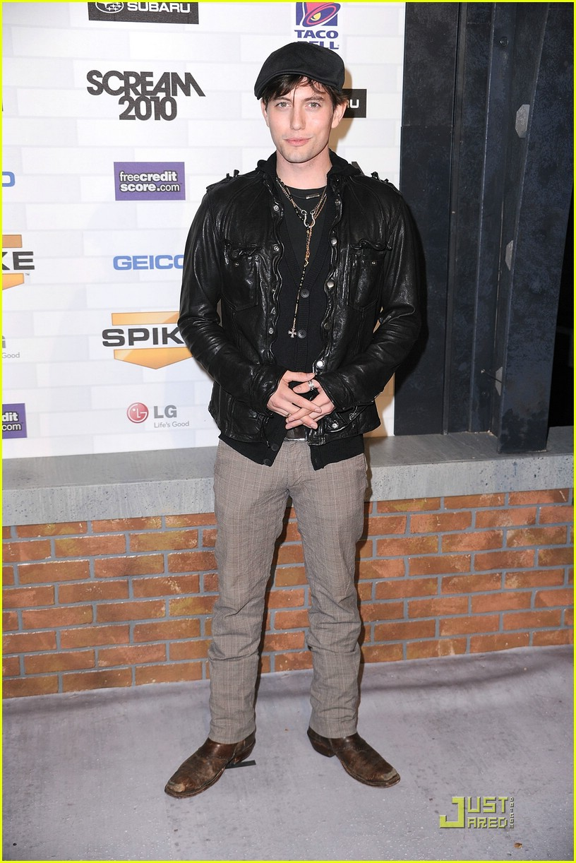jackson rathbone nikki reed scream awards 26