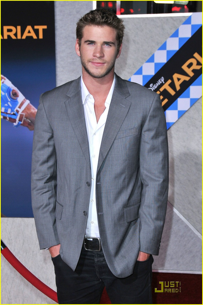 liam hemsworth secretariat stud 02