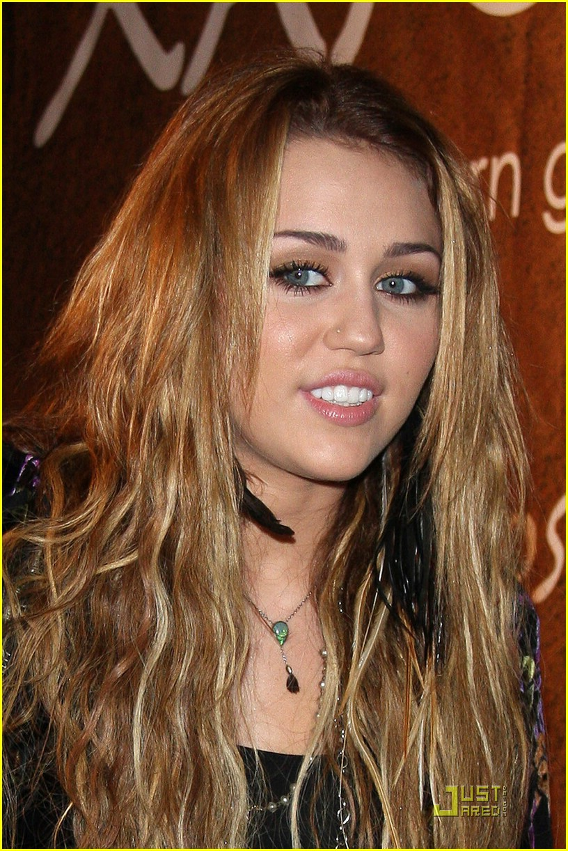 miley cyrus xandros greek 02