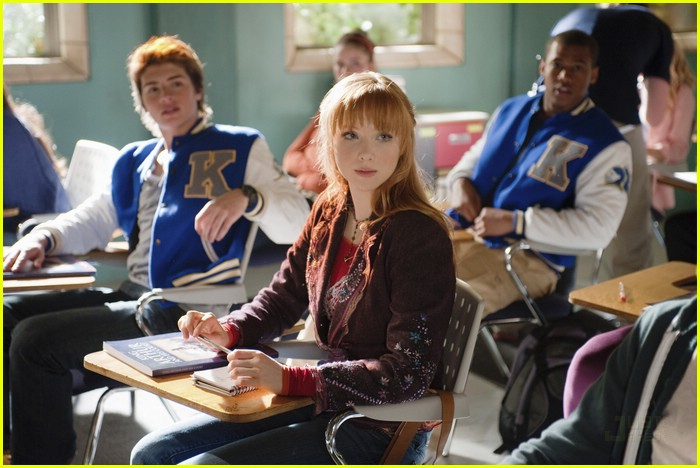 molly quinn chris tavarez caught avalon high 09