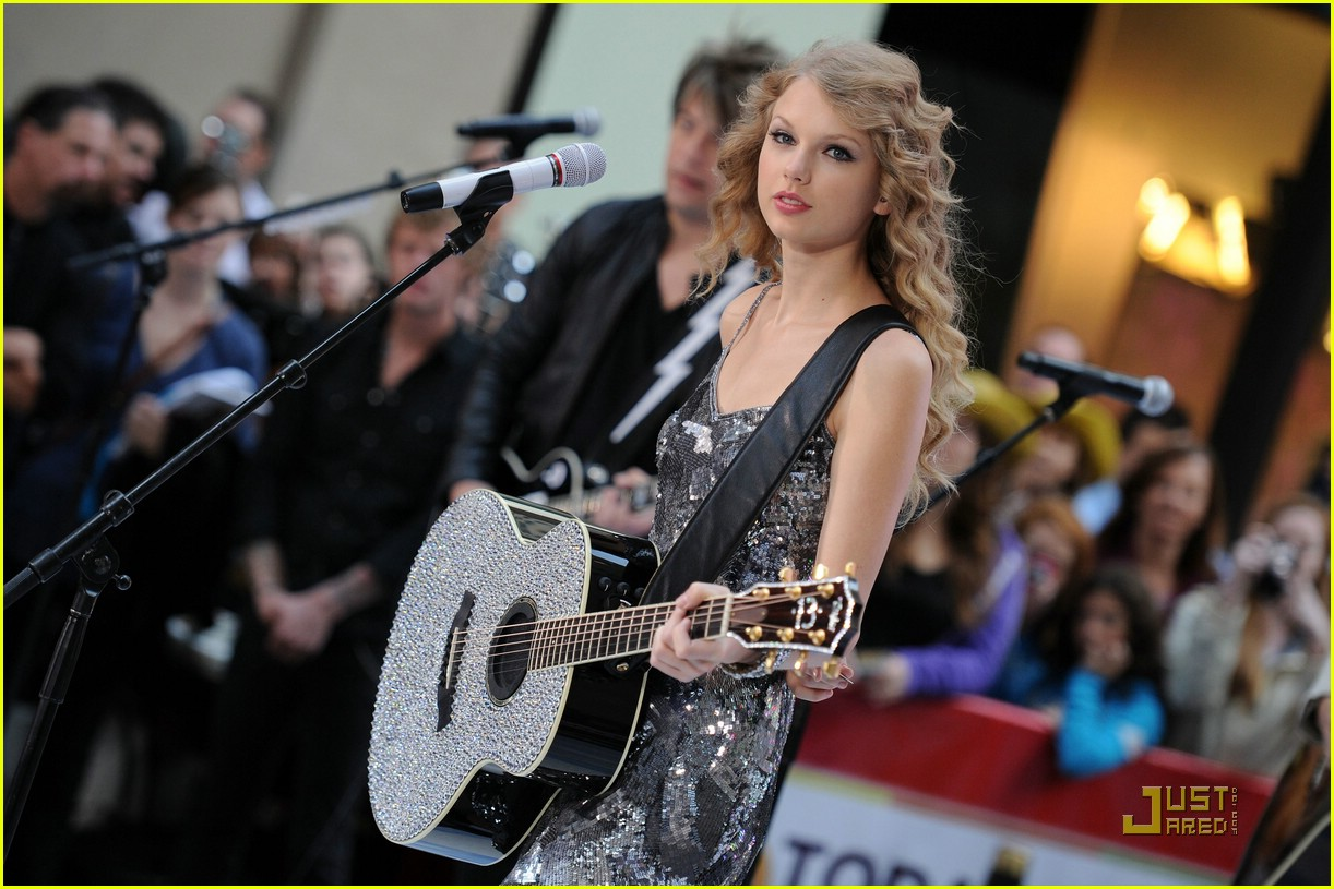 taylor swift rockefeller center 32
