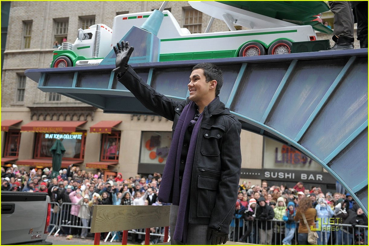 big time rush macys parade 04