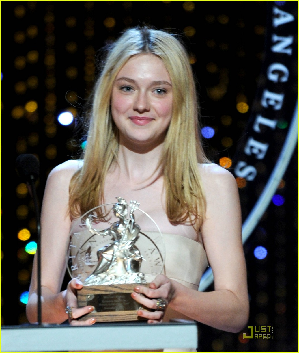 dakota fanning brittania awards 22