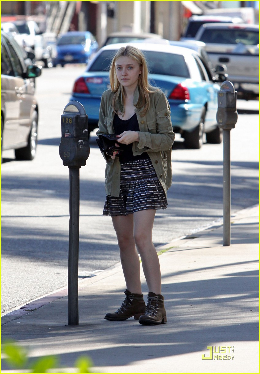 dakota fanning opening ceremony 12