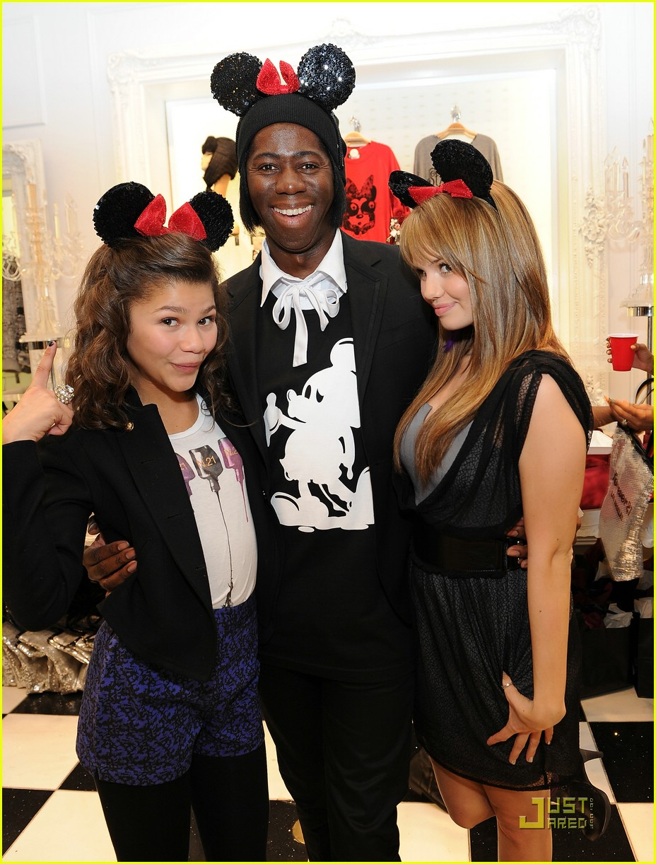debby ryan bella thorne minnie muse 03