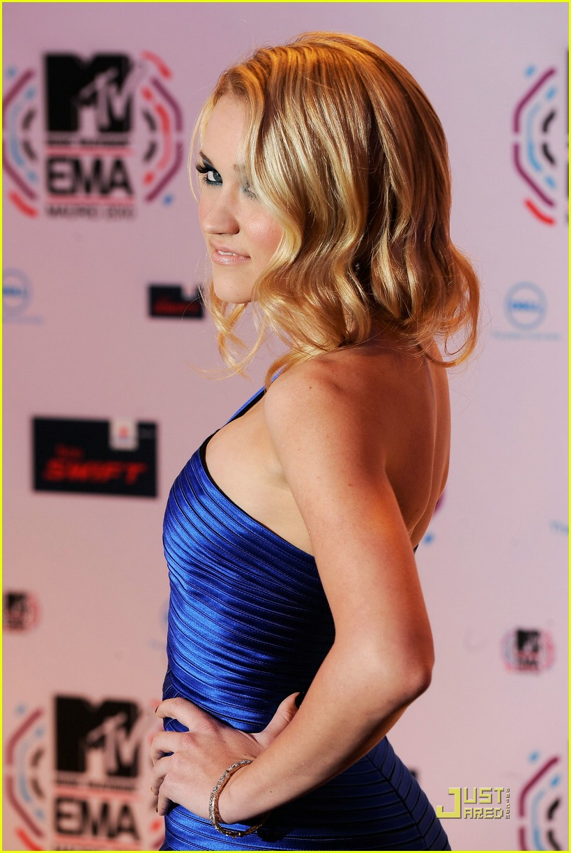 emily osment mtv emas 03