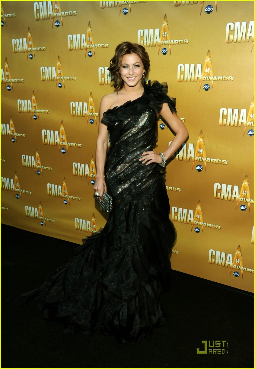 julianne hough cma awards 02