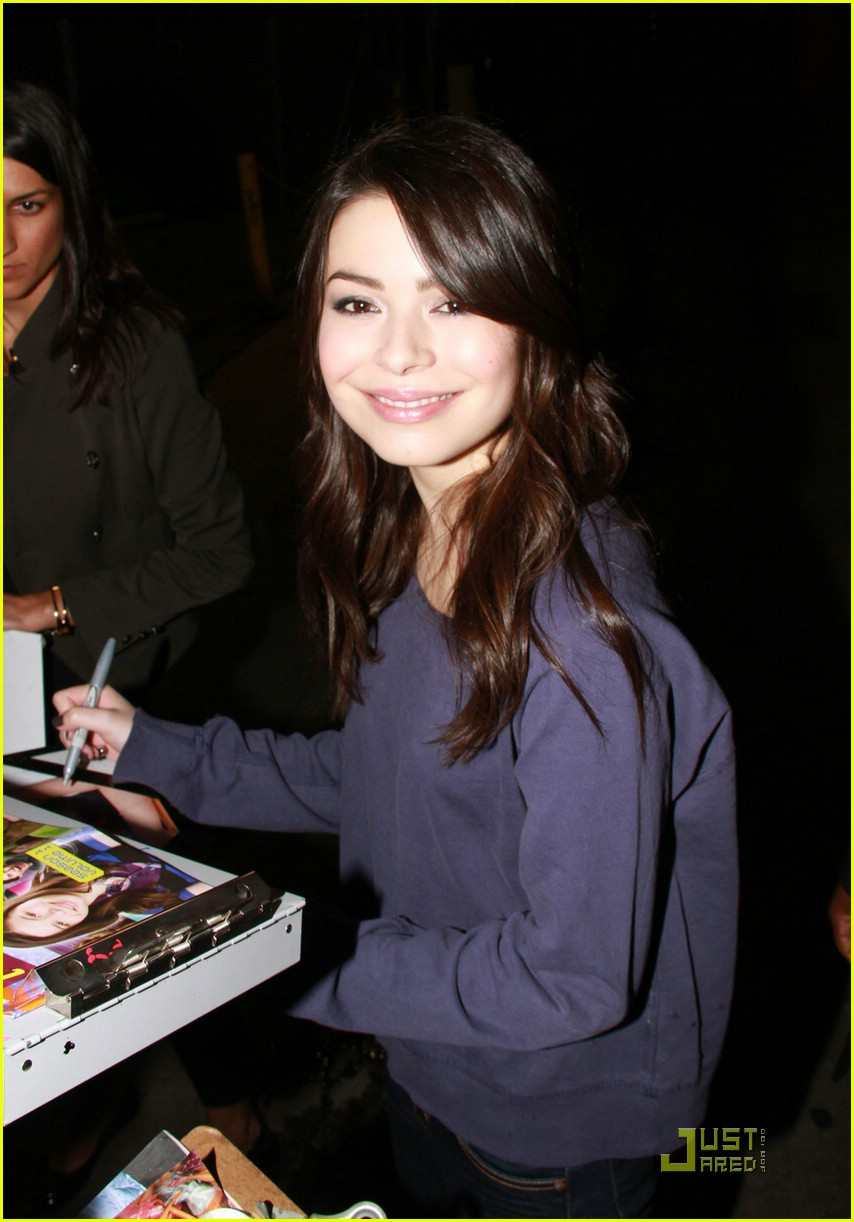 miranda cosgrove mark t beauty 06
