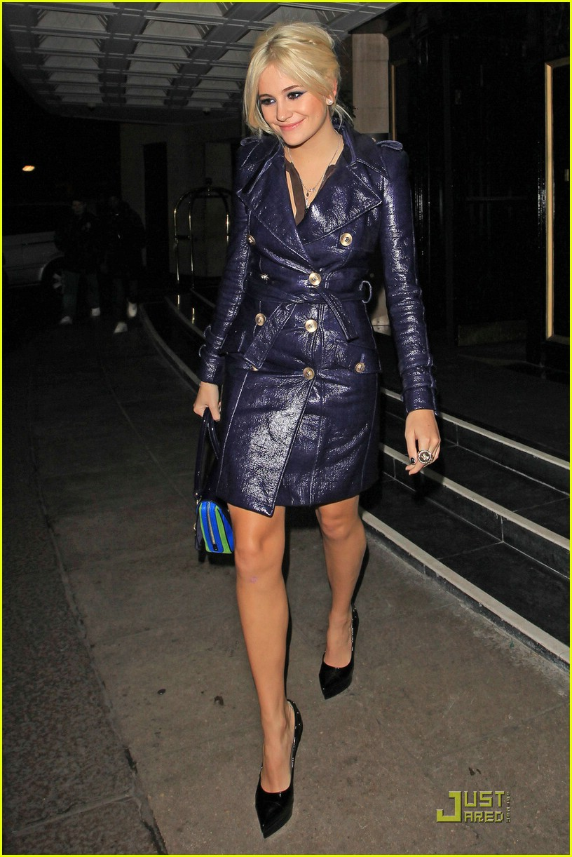 pixie lott donatella versace dinner 09