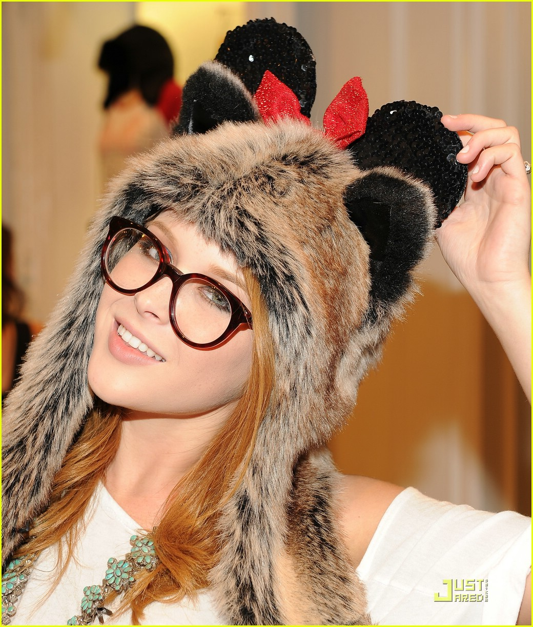 shay mitchell renee olstead minnie muse 02