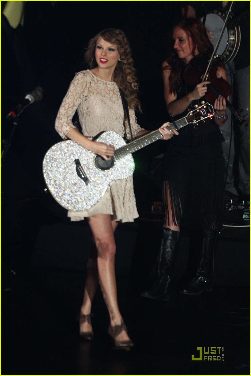 taylor swift bbc teen awards 01